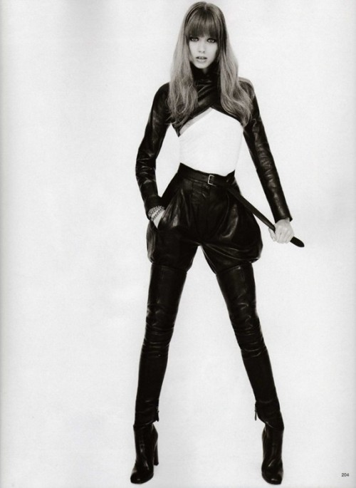 abbey-lee_by-terry-richardson_vogue-japan-2009_1.jpg