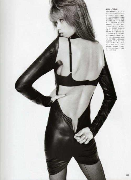 abbey-lee_by-terry-richardson_vogue-japan-2009_3.jpg