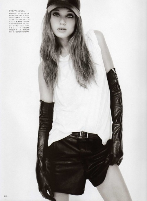 abbey-lee_by-terry-richardson_vogue-japan-2009_7.jpg