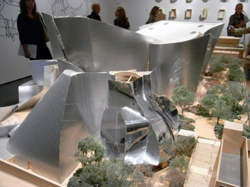 architect-frank-o-gehry-since-1997-exhibition-07
