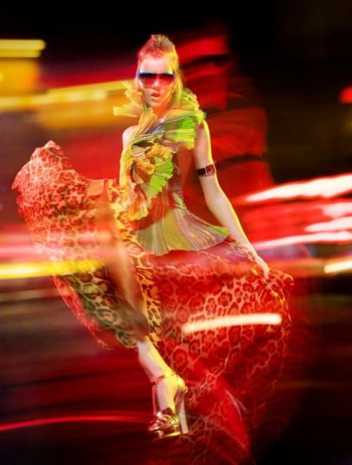 lights high fashion james meakin 01 600x793 Lights & High Fashion Photography