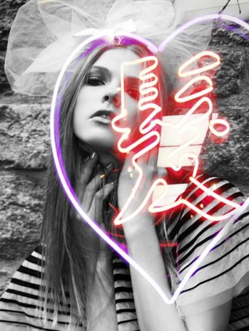 lights high fashion jaques dequeker 02 600x799 Lights & High Fashion Photography