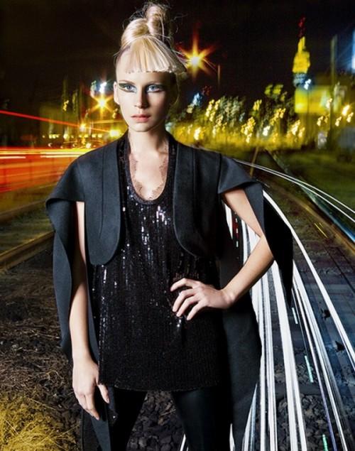lights high fashion julia pogodina 02 600x763 Lights & High Fashion Photography